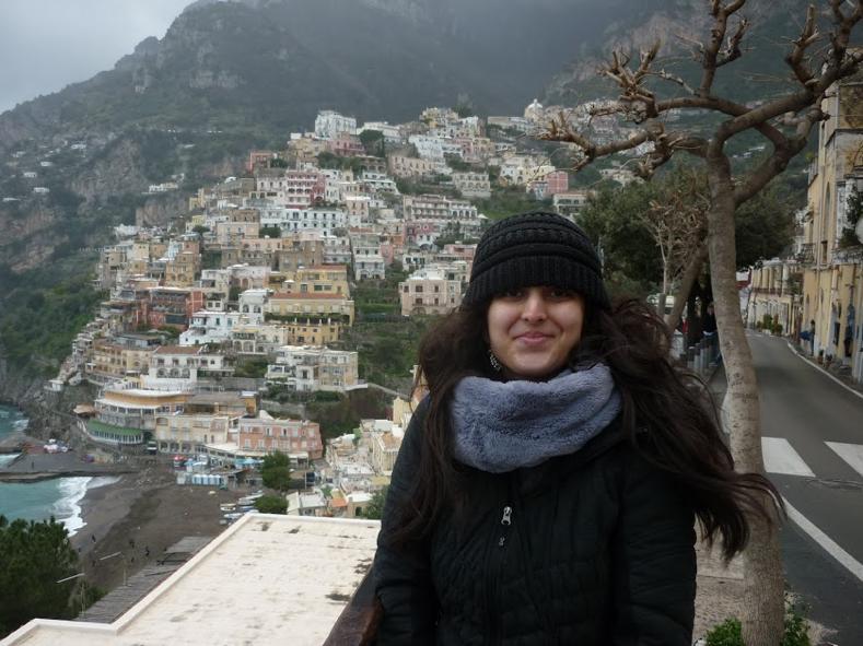 Henali Traveling in Positano, Italy