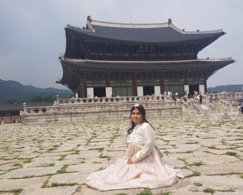 Yetzenia at Gyoenbokgung Palace in Seoul