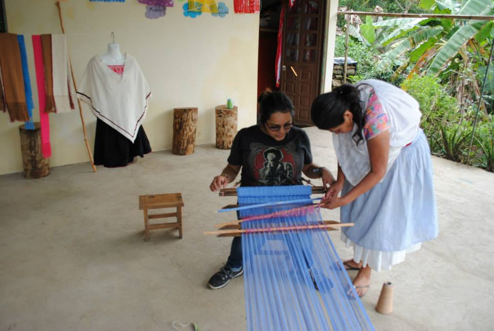 Jovita doing Telar Loom